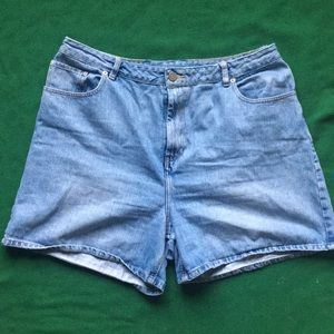 ASOS High Rise Mom Jean Short Sz 20